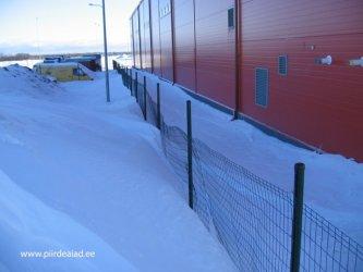 Mida teha lume raskuse all muserdada saanud piirdeaiaga