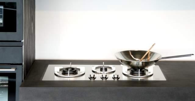 Pilt6-i-Cooking gaasipõletid ja induktsioonplaadid pannakse tööpinna sisse