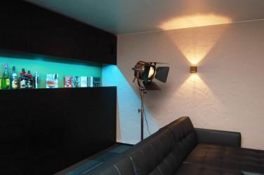 Pilt 7 - Helikindlate seinte ja spetsiaalse valgustusega meediatuba