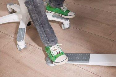 Pilt 5 - Reguleeritava kõrgusega kirjutuslaud ja tool - hea lahendus lapse tuppa!
