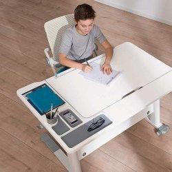 Pilt 2 - Reguleeritava kõrgusega kirjutuslaud ja tool - hea lahendus lapse tuppa!