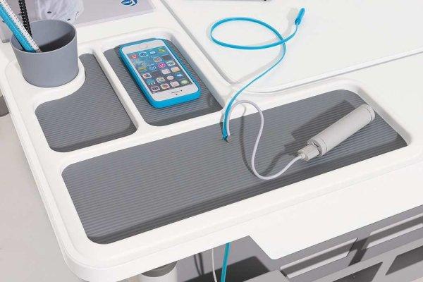 Pilt 4 - Multimeedia ühendamise võimalus laua küljes.