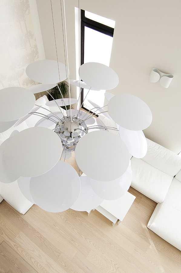 Pilt5-Noore pere must-valge-hall kodu Tallinnas Merirahus