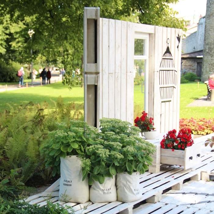 """2017 lillefestival teemad on """"Pereaed"""" ja """"Ühevärviline aed"""""""