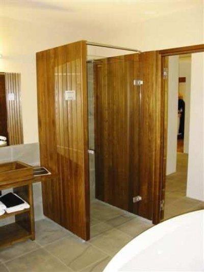Pilt 17 -   Termopuit sobib isegi dušikabiinide seinteks, kabiini põrand on targem siiski plaatida. Fotod: Märt Riistop