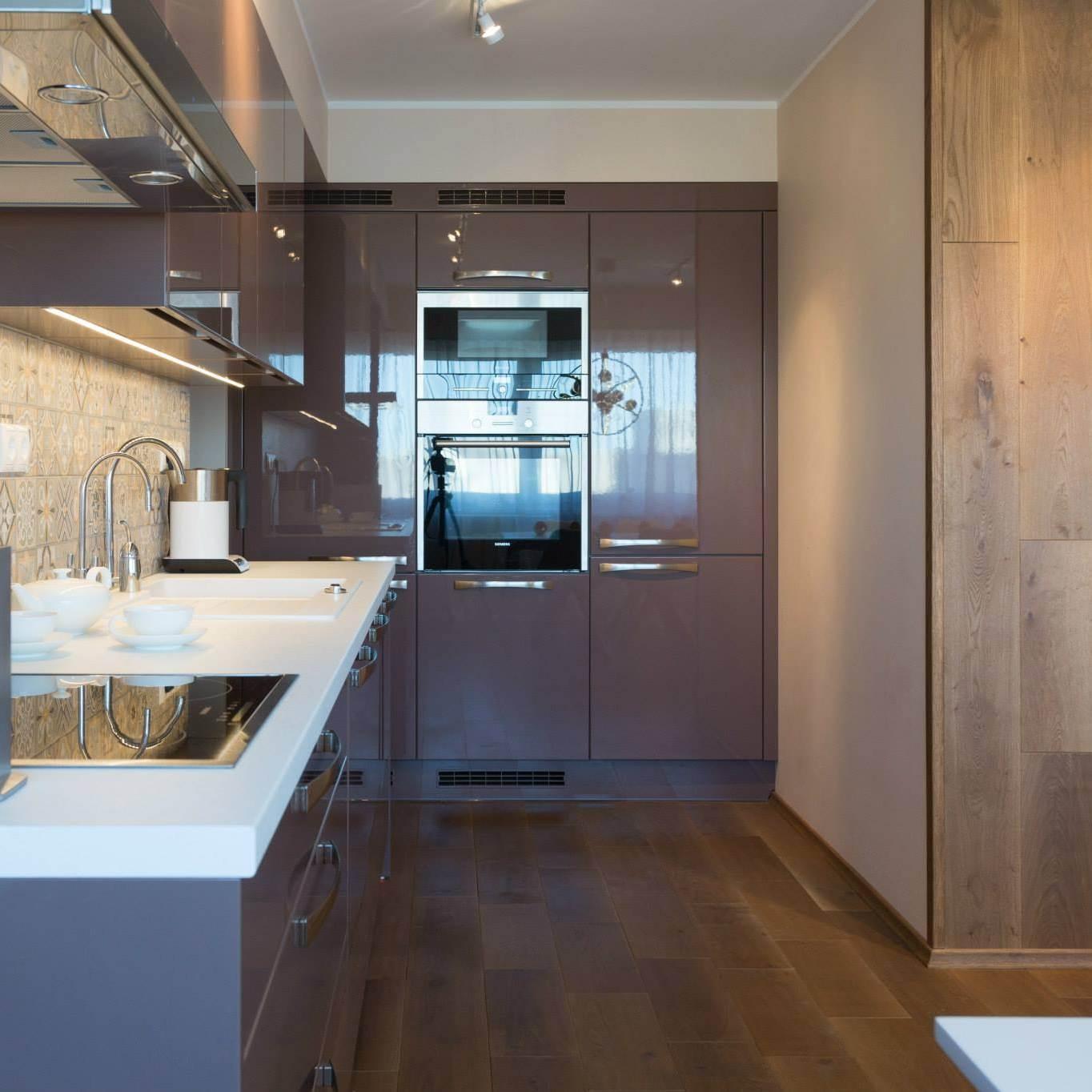 Köök pööningukorteris (Wax design sisekujundajad Inrina Kanrjova ja Tatiana Bobchinskaya)