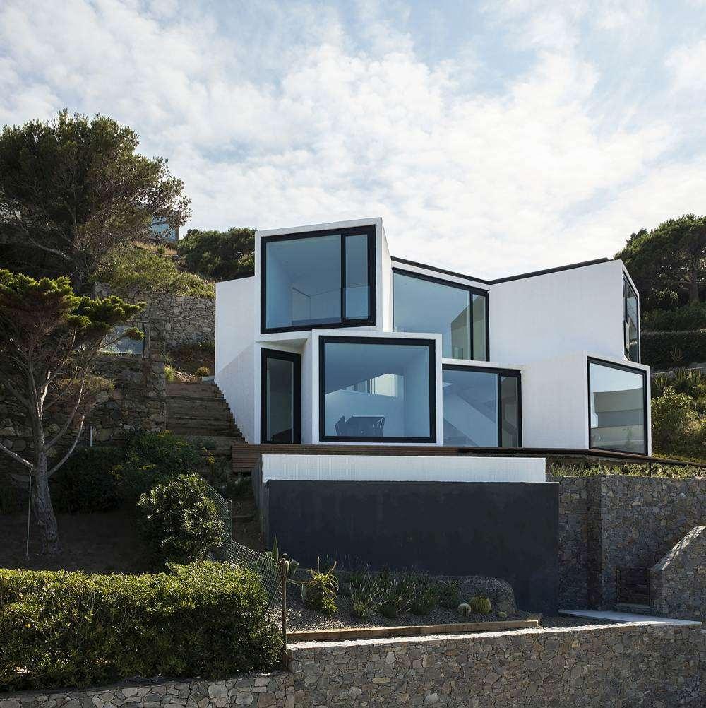 Maja nagu hiiglaslik päevalill - neelab valgust ja soojust