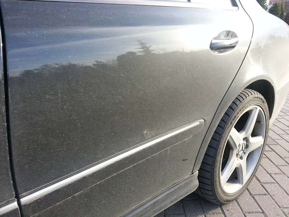 Complete waterless car wash and wax