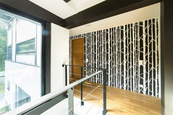 Pilt 16 - Seinašablooniga tehtud muster trepihallis.