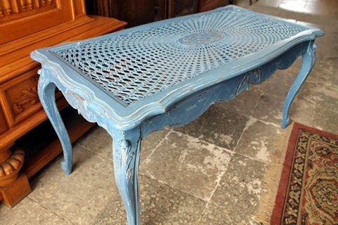 Annie Sloani värvid ja vahad teevad mööbliga imet (Altermööbel.ee)