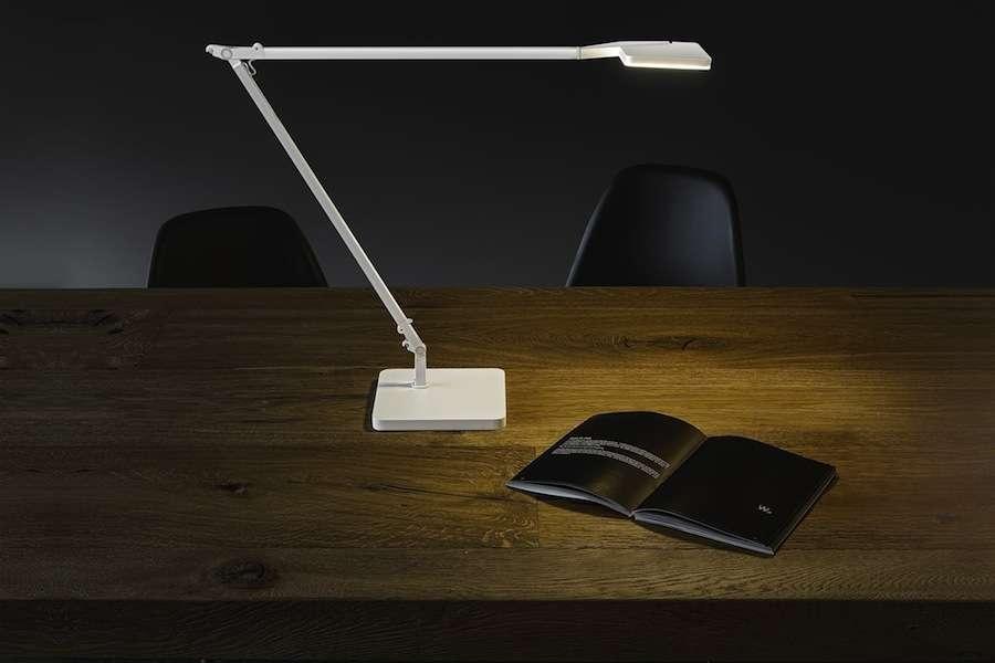 Minimalistlikud LED-valgustid töölauale