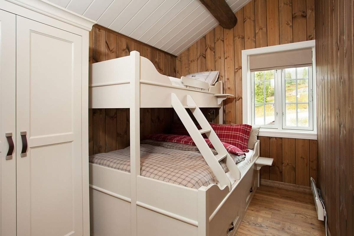 Pilt7-Puitu ei saa põhjamaalase kodus kunagi olla liiga palju - pere puhkemaja Norra mägedes