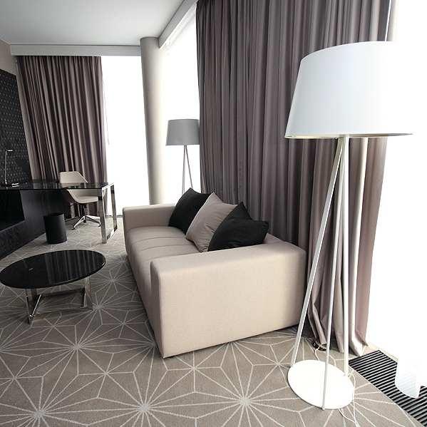Ekstravagantne Mangi pehme mööbel Hiltonis