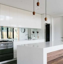 Kas oled mõeldnud peeglite kasutamise peale köögis?