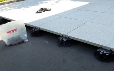Solidor reguleeritavad terrassijalad kiviplaadil - 2