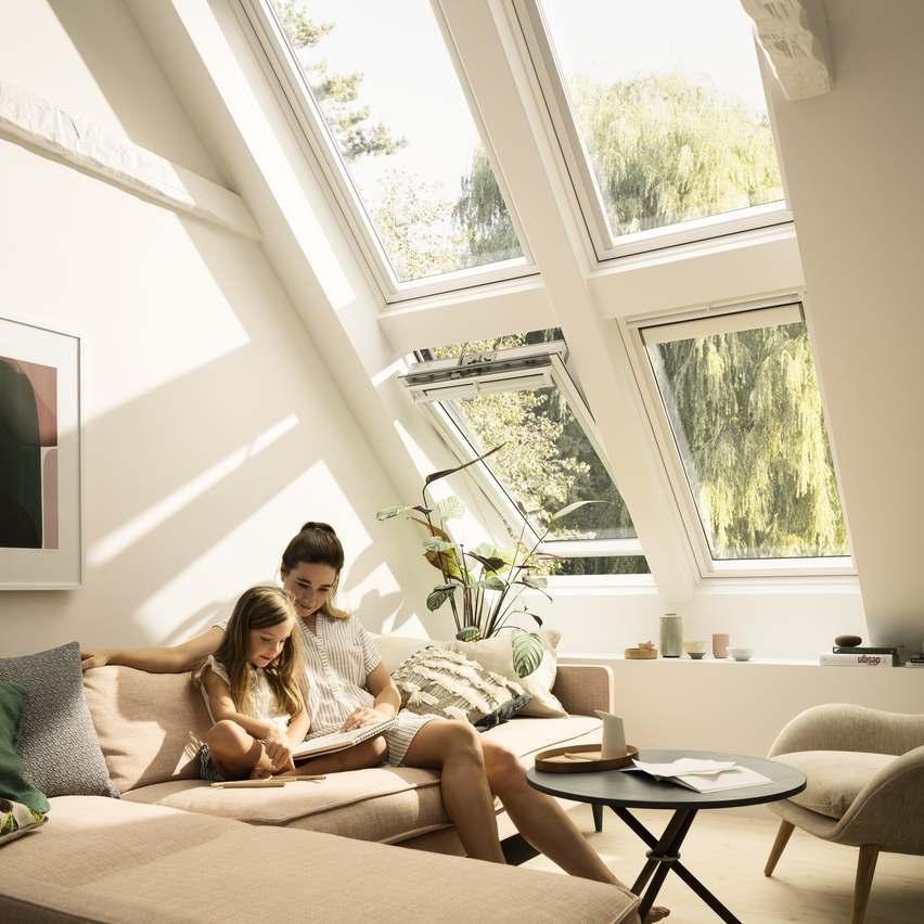 VELUX väärtustab päevavalguse ja värske õhu tähtsust igapäevaelus, rõhutades mõlema teguri positiivset mõju tervisele ning meeleolule.