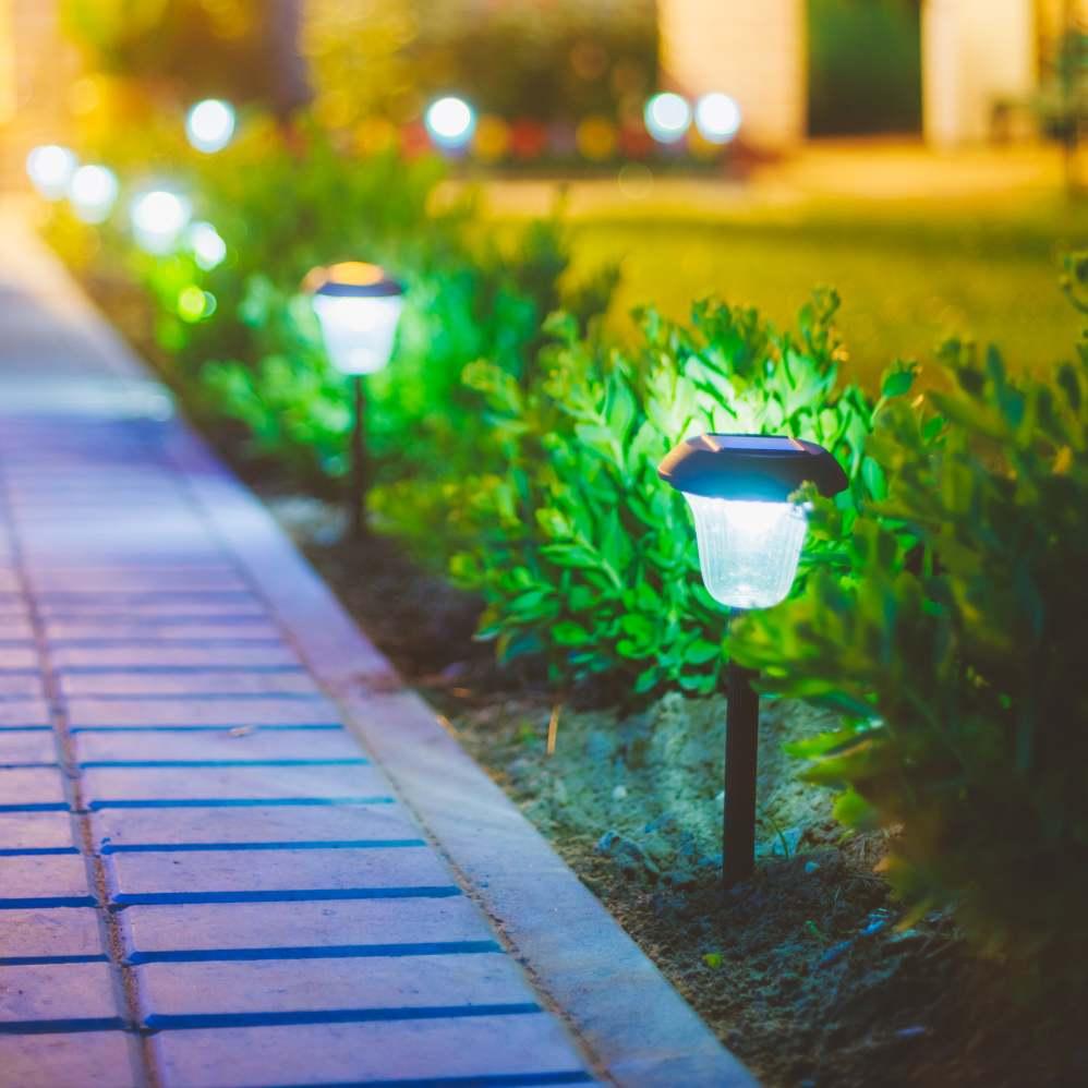 K-rauta ehituspoodides on suures valikus aiavalgusteid (LED, SOLAR jpm)