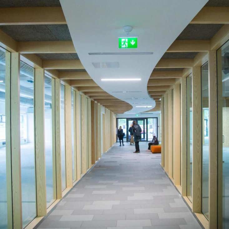 Viimsis avati esimene moodne büroohoone ÄRITARE