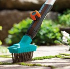 Kõnniteekivide puhastamiseks on olemas spetsiaalsed tööriistad