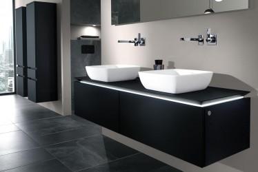 Pilt 6 - Vannitoa valgustusvõimalused panevad kumama vanni ääre ja prill-laua