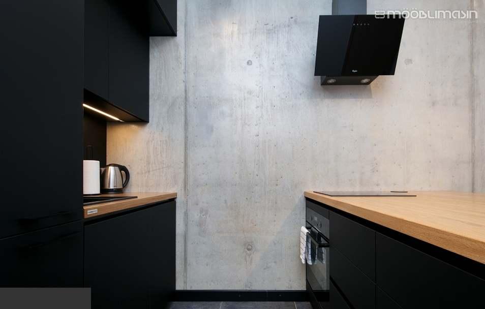 Moodsalt must mööbel - 40 mm täispuit tamm, matt polüuretaanlakk.