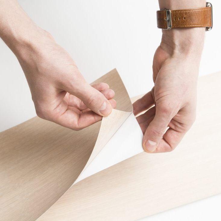 Pilt1-Eestis loodud naturaalsest puidust iseliimuv seinakattematerjal Groveneer võitis disainiauhinna Red Dot 2019