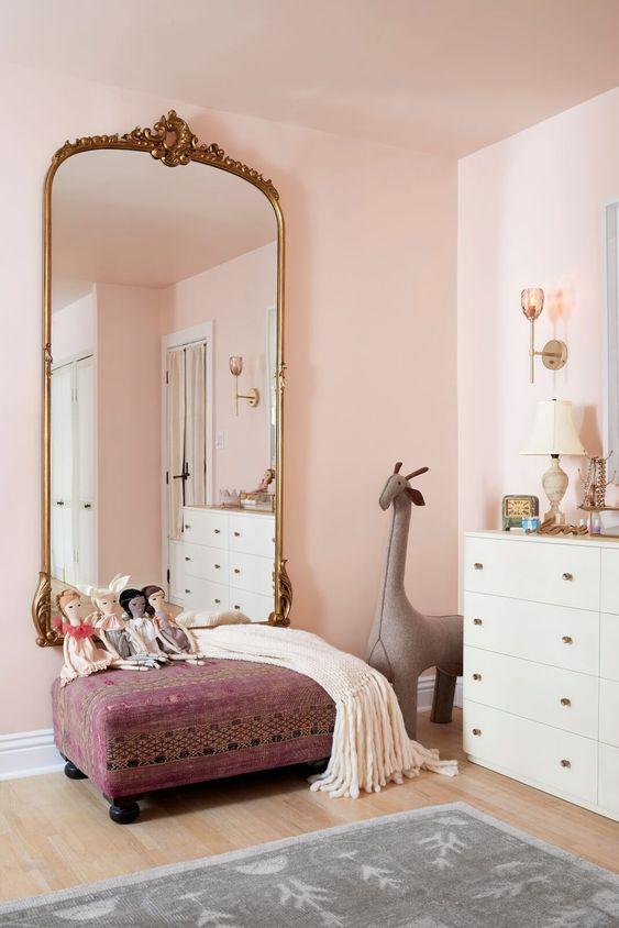 Tüdruku toas võiks peegel olla võimalikult suur.