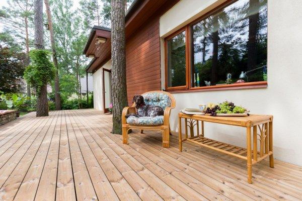 Pilt 3 - Termomännist terrassilauad on kiire click-kinnitussüsteemiga.