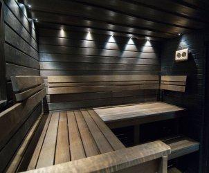25 - Sauna building