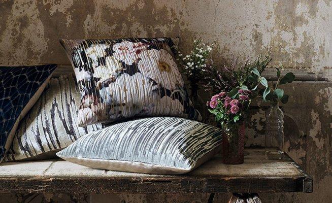 Pilt 4 - Lillemuster on tagasi maaliliste printide näol. Lillelised dekoratiivpadjad on suurepärane viis tuua koju romantilist meeleolu.