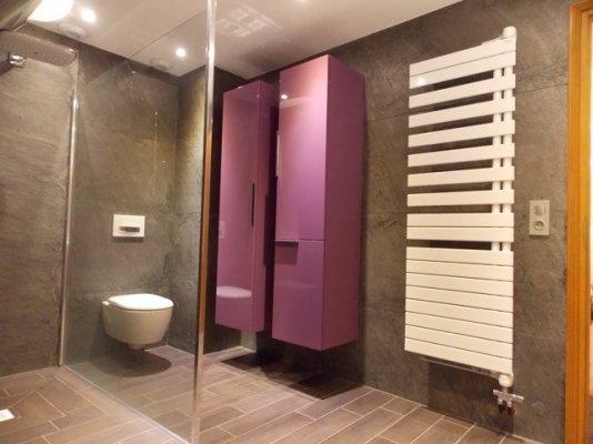 Pilt 3 - Kivispoon vannitoas keraamiliste plaatide asemel