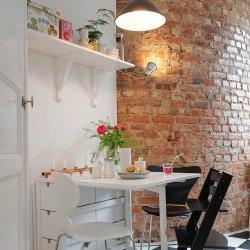 Kui vanade krohvikihtide all kaunist tellist ei leidu, siis ehituspoodided on saadaval laias valikus dekoratiivkive.