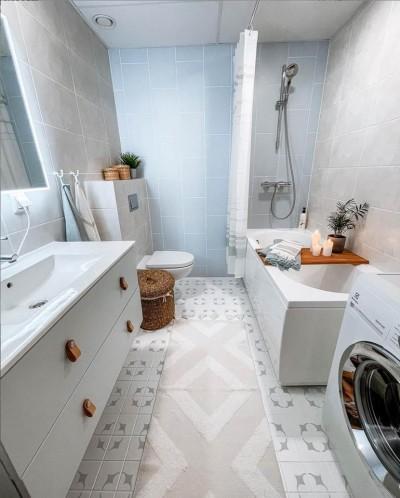 Malaga šablooniga värvitud keraamilised plaadid vannitoa põrandal - 1