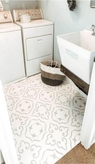 Malaga šablooniga värvitud keraamilised plaadid majapidamisruumi põrandal - 8