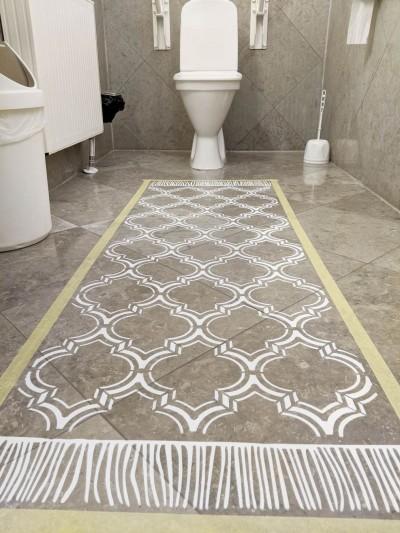 Maroko Duo šablooniga keraamilisele põrandale vaib värvimine. Maalriteip on veel eemaldamata. - 3
