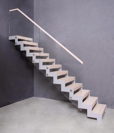Pilt 12 - Metalli, klaasi ja puiduga eritellimus trepp