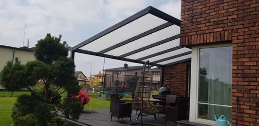 7 - Klaasitud terrass annab väljas olemise aega juurde