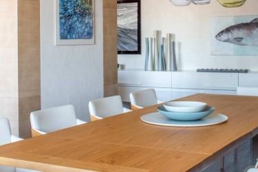 60 - Moodsas võtmes mere teema noore pere kodus