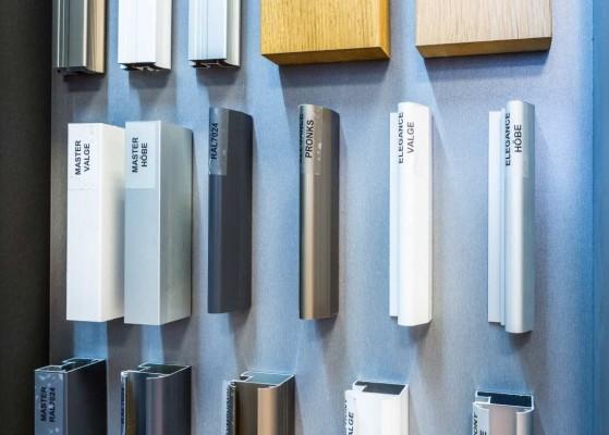 Pilt 8 - Garderoobides aktuaalne: LED-lahendused, käänduks ja ehtelaegas