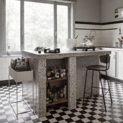 Pilt 2 - Taime- ja säilituskast köögis
