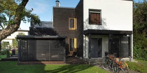 Pilt 3 - Modernse arhitektuuriga kivimaja - valgusküllane kodu lapsepõlvemaal