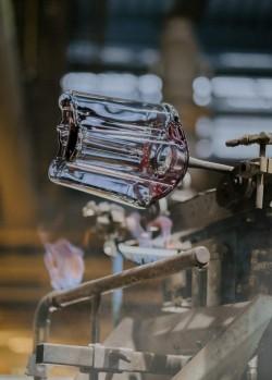 Iittala making of recycled glass Aalto.  - 1