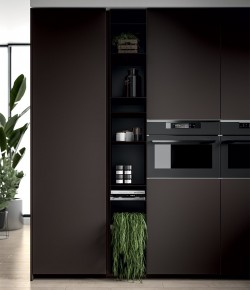 Pilt 7 - Köögitrendid 2021: klaasist püstak-vitriinid, riiulid, uued fassaadid