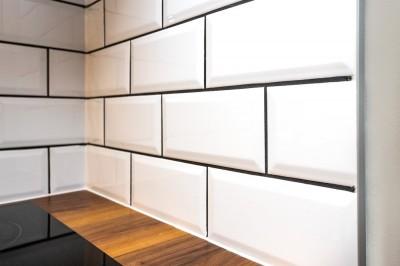 Telliskivi seina mustriga laotud köögi tagaseina plaadid - 4
