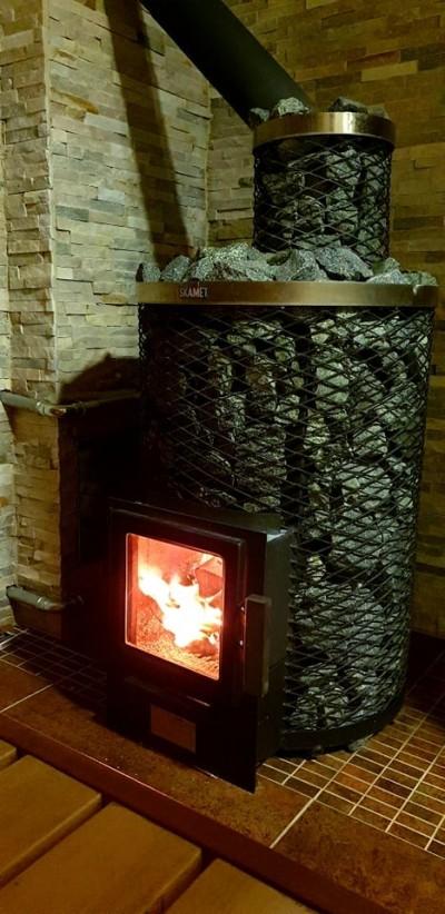 Suitsutoru katmine kividega annab saunakerisele kubatuuri juurde - 3