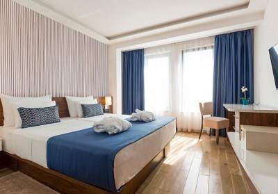 Akustiline ribipaneel magamistoa seinas - 1