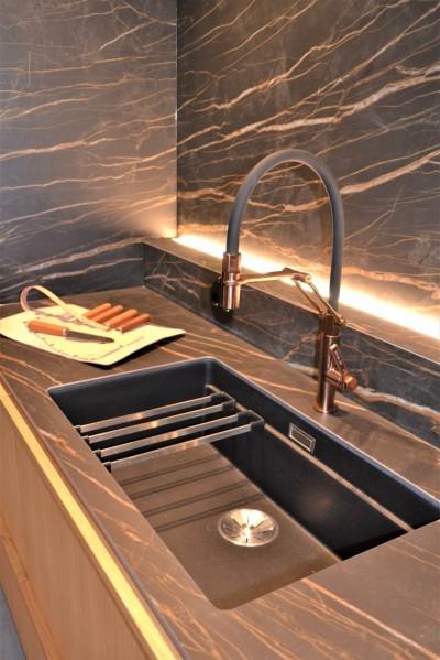 Vase tooni Gessi disainsegistid ja -duššid mõjusid nii köögis kui ka pesuruumides väga trendikalt. - 9