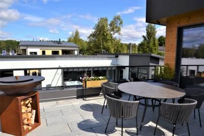 Köökide puhul hakkas silma köögitsooni viimine teisele korrusele, kus paiknes ka terrass koos istumisaladega. - 2