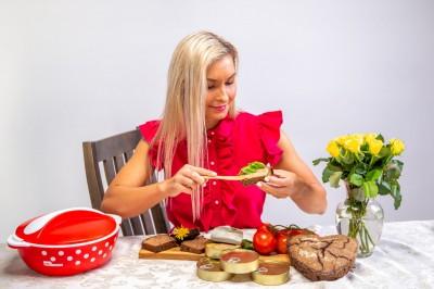 Lihapasteet koosneb puhtast lihast, mis on maitsestatud ja pärast vahustatud. - 2
