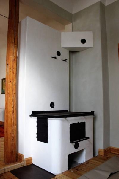 Lubi-stucco tehnikas viimistletud pliit - 2